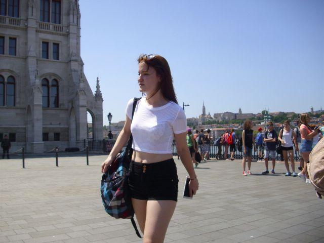 Maja Strmčnik